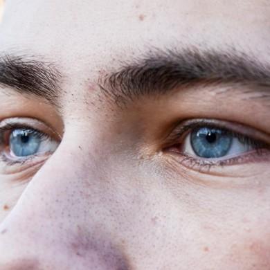 eyec.jpg